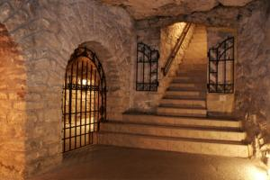 Tour At Labyrinth Of Buda Castle Tour Packages